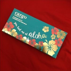 🌺🌴🌺You Had Me At Aloha Eye Shadow Palette🌺🌴🌺